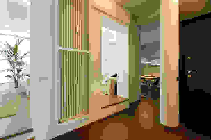 الممر الحديث، المدخل و الدرج من Fabio Carria حداثي