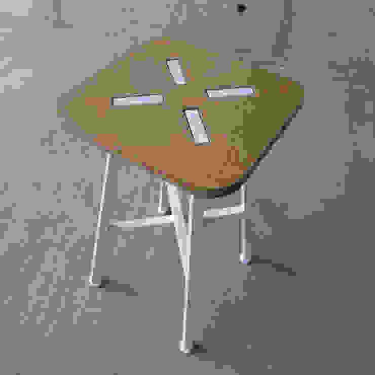 XS – Stool: abode Co., Ltd.が手掛けたミニマリストです。,ミニマル