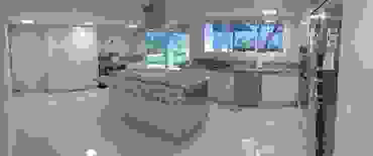 Vista general de la cocina. Cocinas de estilo moderno de Demadera Caracas Moderno