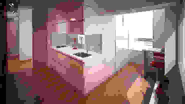 Reforma departamento: Living-comedor Cocinas minimalistas de ARQUITECTURA EN IMÁGENES Minimalista