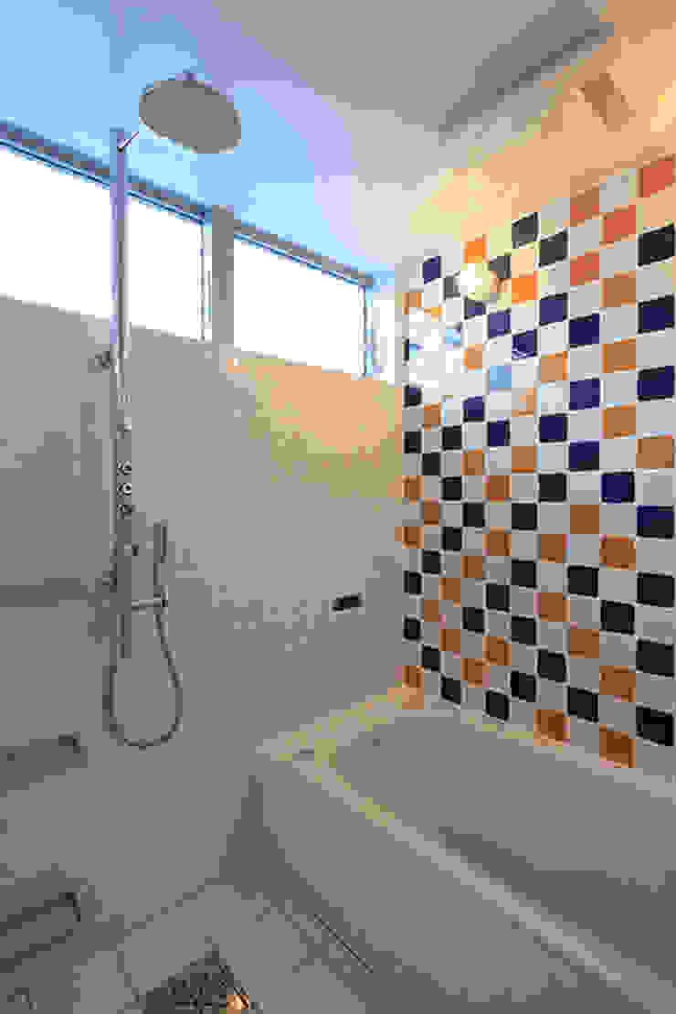 House-MSD【 White Rainbow -白虹- 】 モダンスタイルの お風呂 の bound-design モダン
