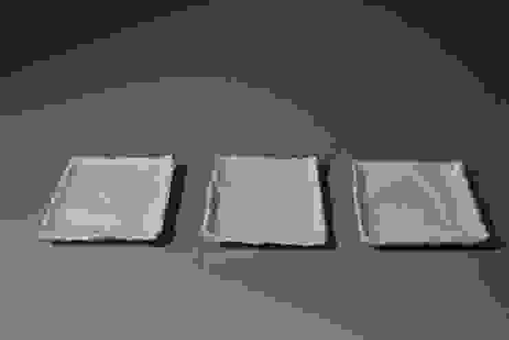 エグコシホウ: 伊藤たかをが手掛けた折衷的なです。,オリジナル 磁器