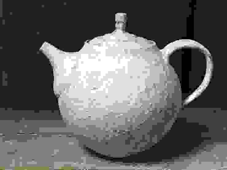ティーポット: atelierjucaが手掛けた折衷的なです。,オリジナル 陶器