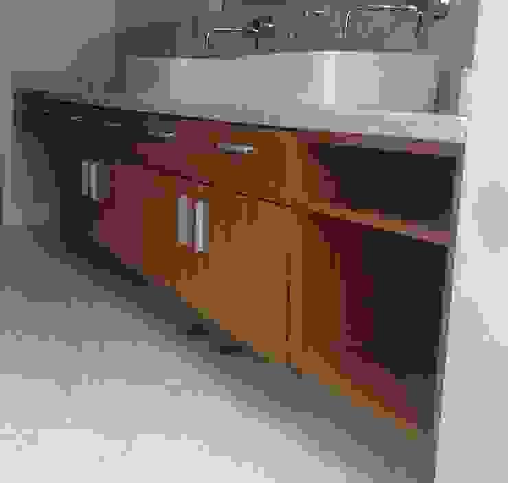 Mueble de baño cuarto principal. de Demadera Caracas Moderno