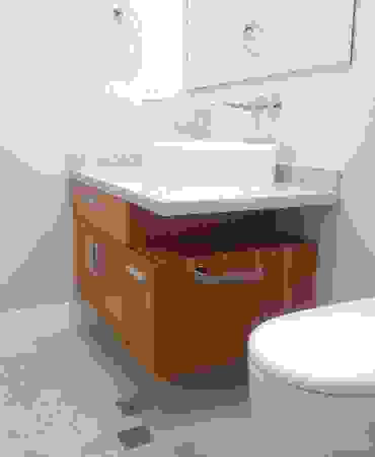 Mueble de baño de visita. Baños de estilo moderno de Demadera Caracas Moderno