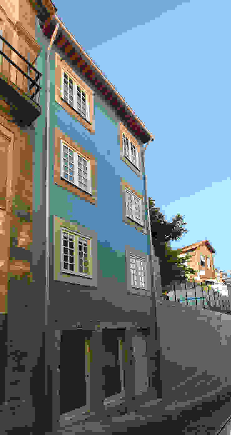 Reabilitação imóvel, Centro Histórico do Porto Casas modernas por Sandra Couto arquitectura Moderno