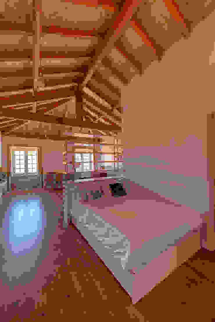 Reabilitação imóvel, Centro Histórico do Porto Quartos modernos por Sandra Couto arquitectura Moderno