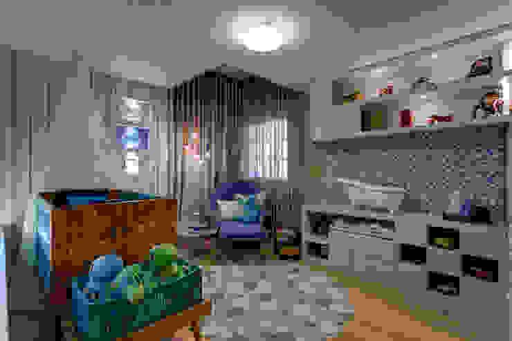 Quarto de crianças Quarto infantil moderno por Das Haus Interiores - by Sueli Leite & Eliana Freitas Moderno Madeira Efeito de madeira