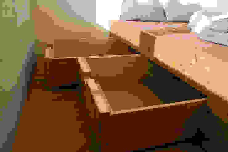 غرفة نوم تنفيذ BjørnKarlsson Furniture