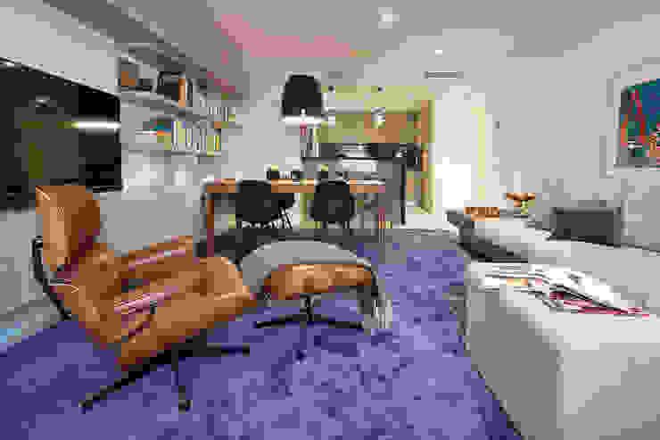 Salas de estilo mediterraneo de Molins Design Mediterráneo