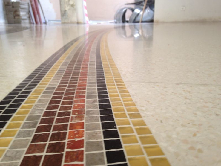 Terrazzo e mosaico Pareti & Pavimenti in stile moderno di Mosaico3M Moderno