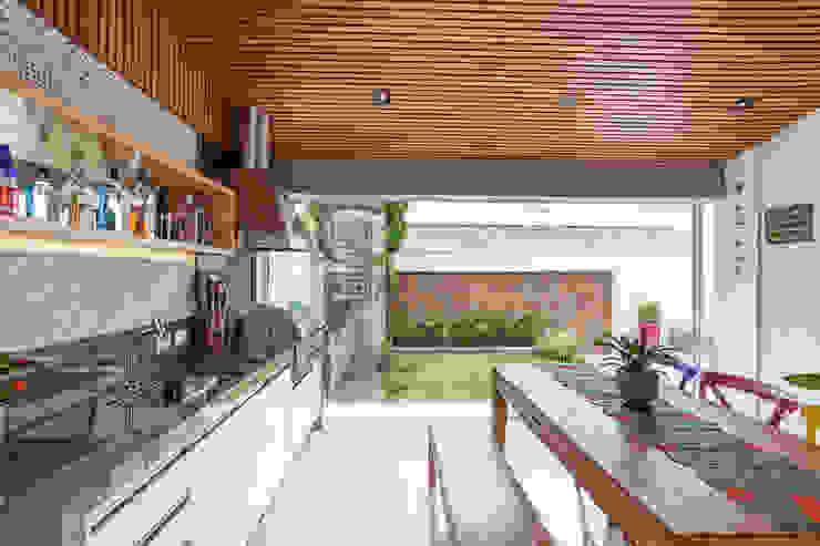 Ausgefallene Küchen von Moran e Anders Arquitetura Ausgefallen