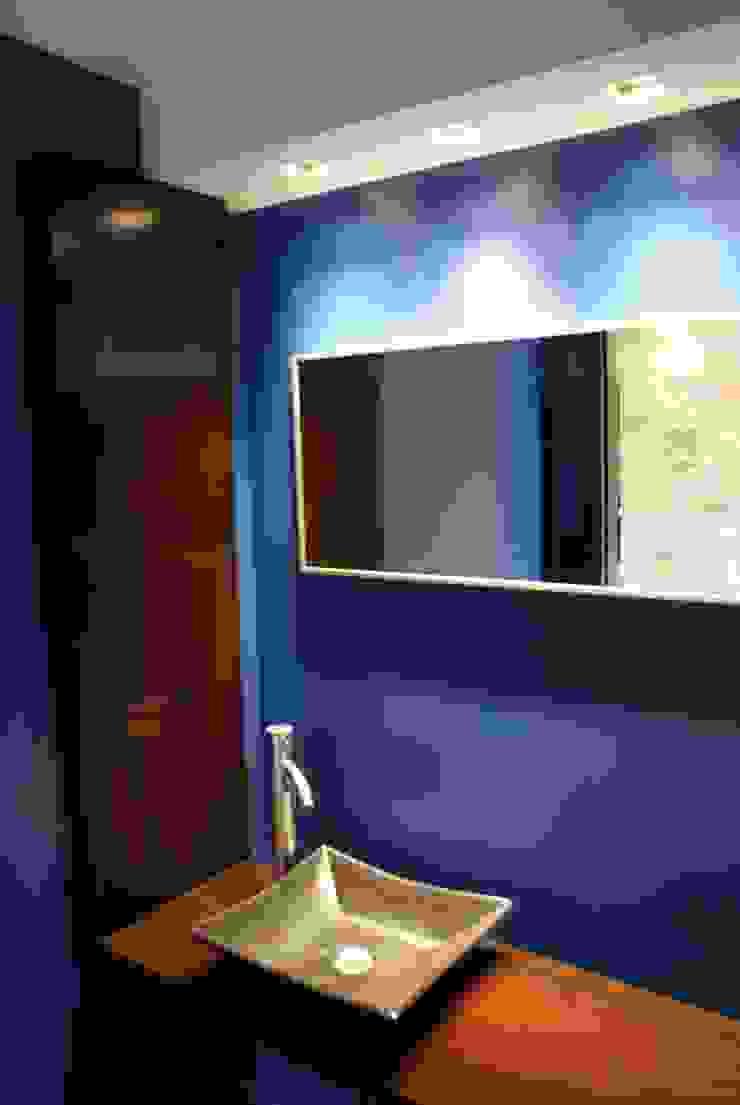 Klasyczna łazienka od Estudio Sassi-Martinez Duarte Klasyczny