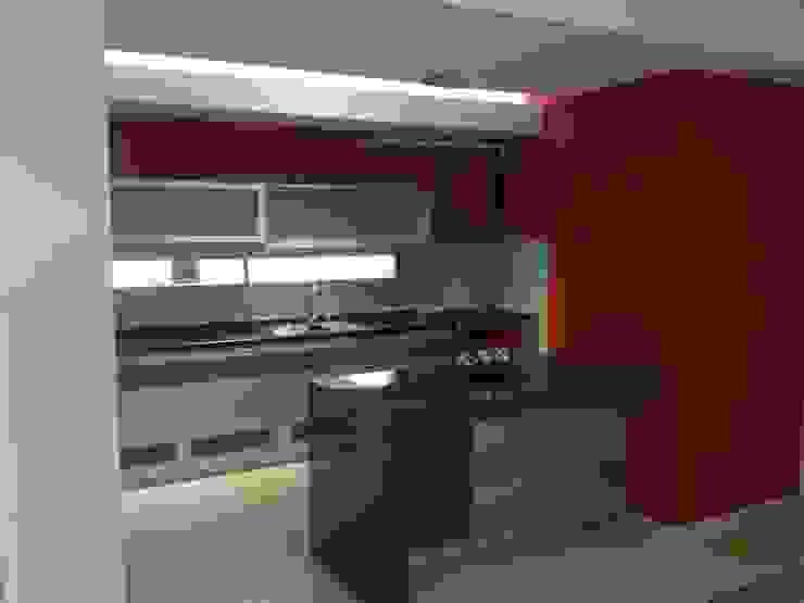 Modern kitchen by Fernando Galoppo - ARQUITECTURA Modern