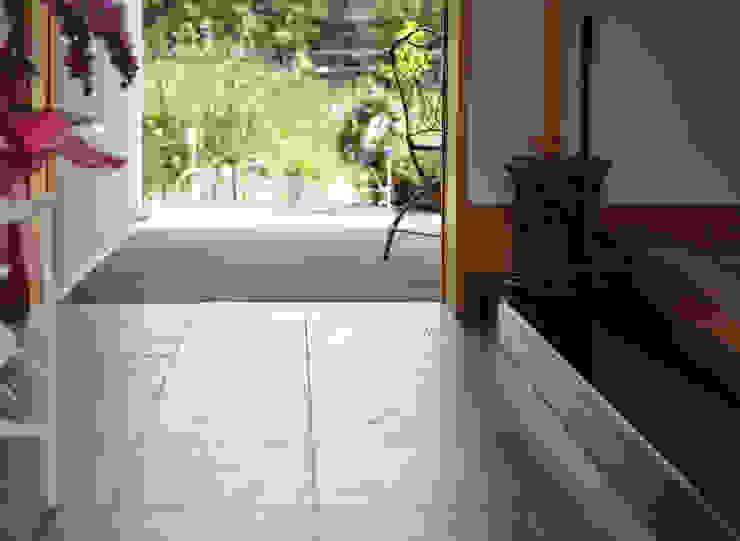 八王子の家 モダンスタイルの 玄関&廊下&階段 の (株)独楽蔵 KOMAGURA モダン