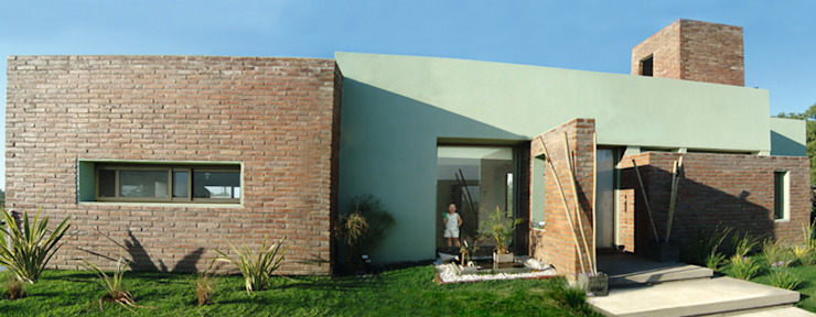 現代房屋設計點子、靈感 & 圖片 根據 ELVARQUITECTOS 現代風