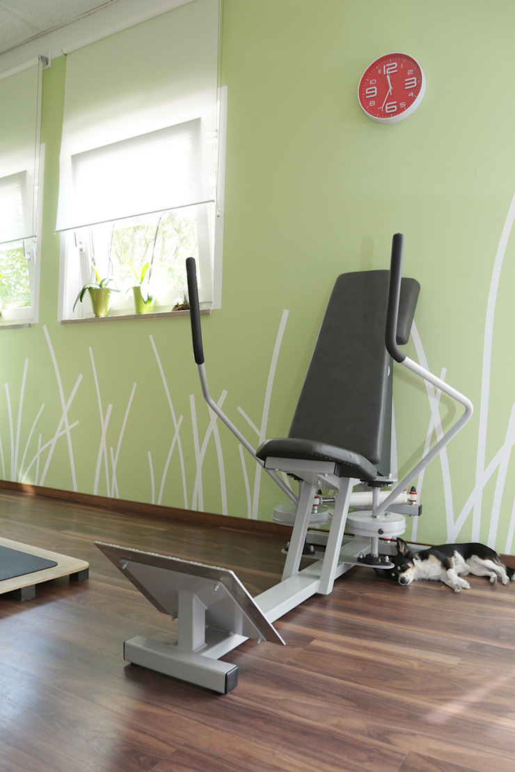 Fitnessraum Büro Köthe Moderne Geschäftsräume & Stores