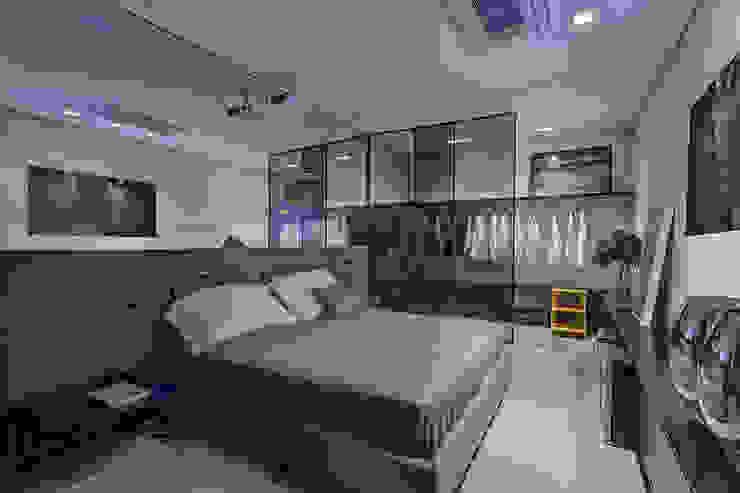 Casa Cor Minas 2012 | Home do Empresário Espaços comerciais modernos por Piacesi Arquitetos Moderno