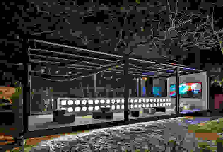 Casa Cor Minas 2013 | Bilheteria Espaços comerciais modernos por Piacesi Arquitetos Moderno