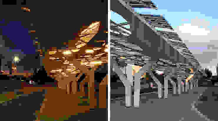 Clorophilla_PLUS Garage/Rimessa in stile mediterraneo di COFFICE Mediterraneo Legno Effetto legno