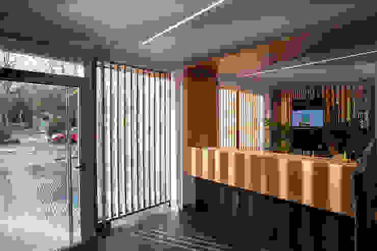 Abrir la Caja, PRIMER PREMIO ARQUIA, CAJA DE ARQUITECTOS, VALLADOLID Oficinas y tiendas de estilo moderno de Angel Melero Hurtado Moderno