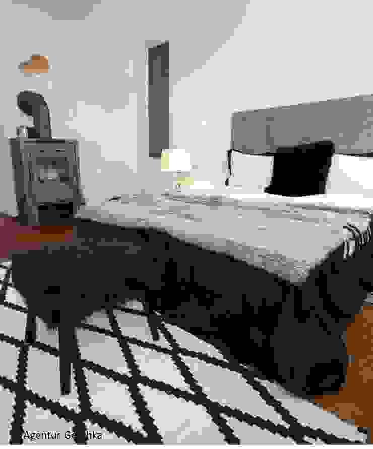 Münchner home staging Agentur GESCHKA Modern Bedroom Black