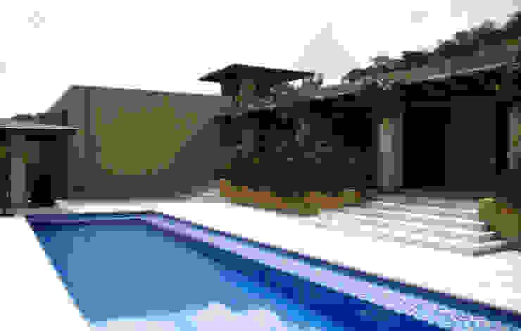 Casa de la Torre Piscinas de estilo rural de David Macias Arquitectura & Urbanismo Rural