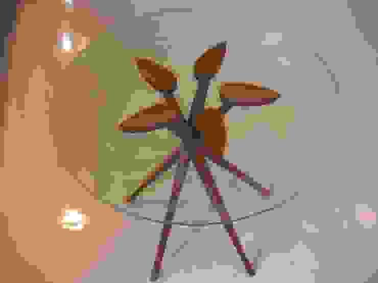 ペンタポッドガラステーブル: 森工房が手掛けた現代のです。,モダン 木 木目調