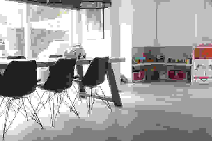 Villa | Houten vloer Moderne serres van Zilva Vloeren Modern
