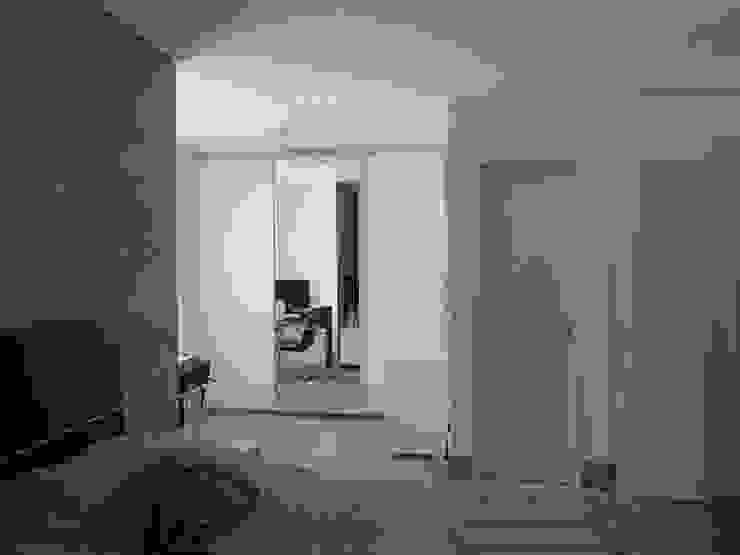 Phòng ngủ phong cách công nghiệp bởi Escritório de Arquitetura Cláudia Mendonça Công nghiệp