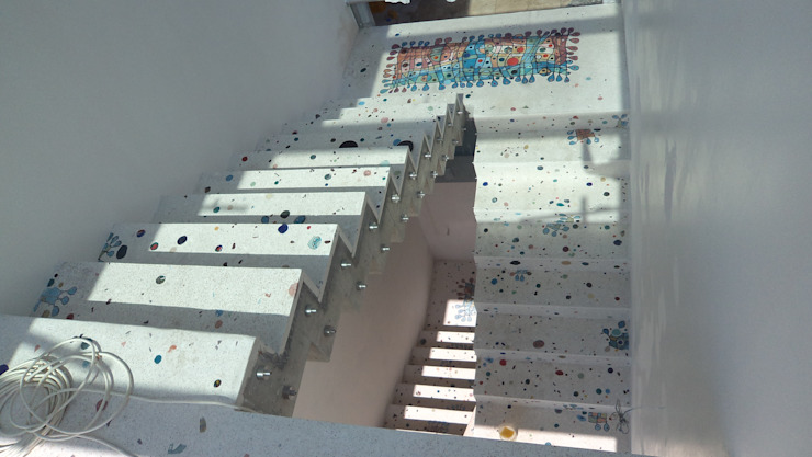 Mediterranean corridor, hallway & stairs by Camdal Mediterranean Concrete