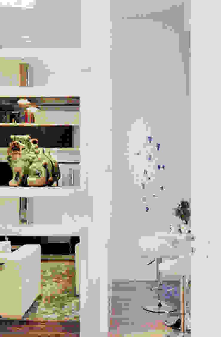 APARTAMENTO AVENIDA Salas de estar modernas por Artica by CSS Moderno