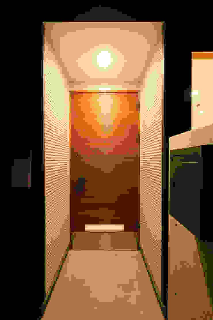 多々良沼の家 モダンスタイルの 玄関&廊下&階段 の 空間設計室/kukanarchi モダン