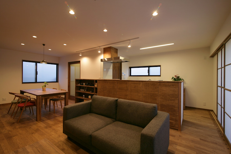 多々良沼の家: 空間設計室/kukanarchiが手掛けた現代のです。,モダン