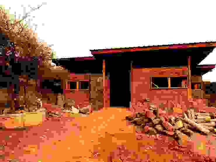 CASA DE LA COLINA Casas de estilo rural de bioma arquitectos asociados Rural Madera Acabado en madera