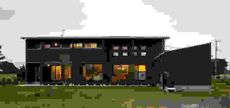 Дома в стиле модерн от 空間設計室/kukanarchi Модерн