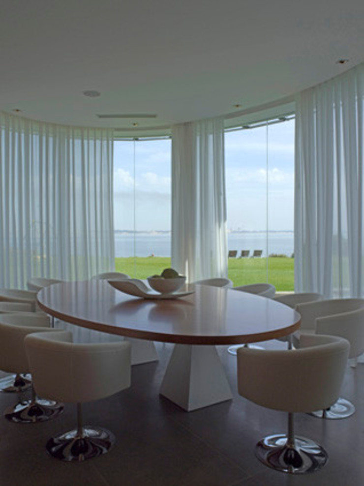 MORADIA TRÓIA Salas de jantar modernas por Artica by CSS Moderno