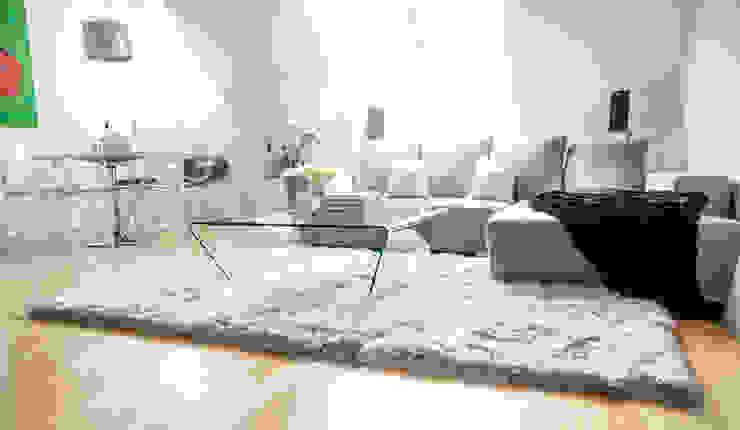 Living room by onloom GmbH, Modern