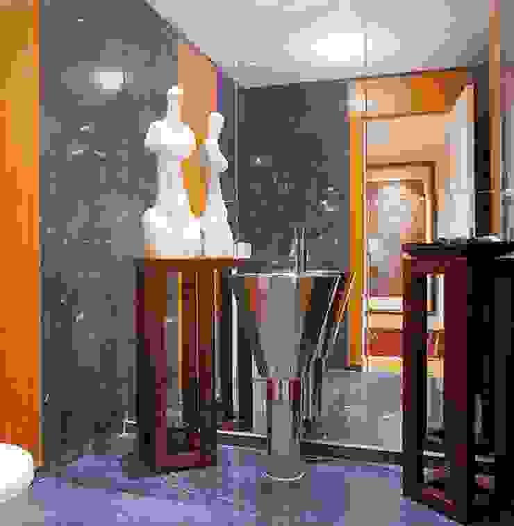 APARTAMENTO ALTO DO PARQUE Casas de banho clássicas por Artica by CSS Clássico