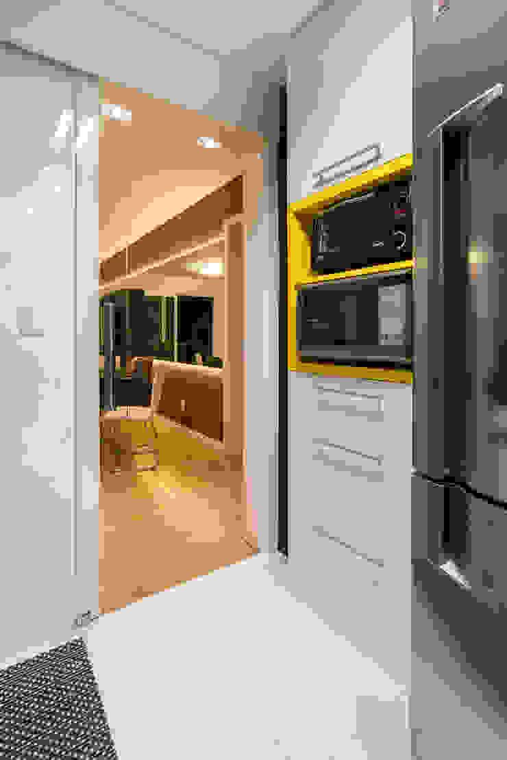 Cozinha Contemporânea Cozinhas modernas por Taísa Festugato Arquitetura Moderno