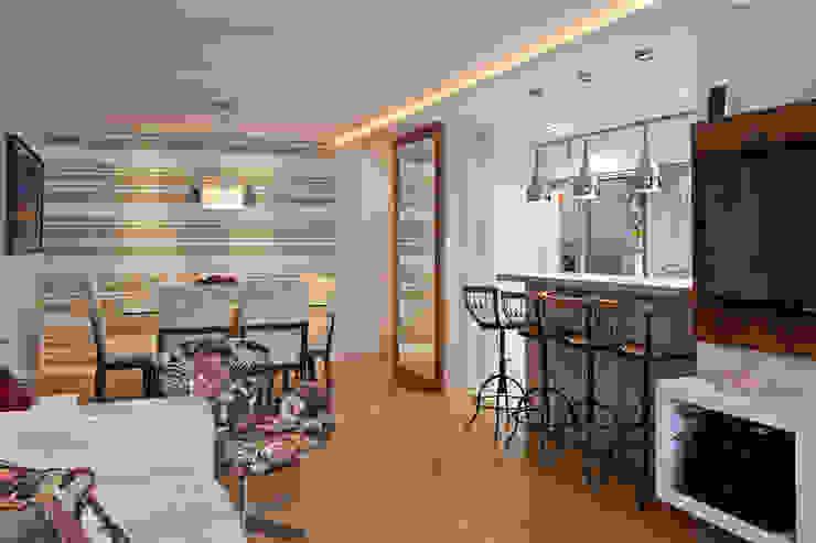 Contraste Elegante Salas de jantar modernas por Taísa Festugato Arquitetura Moderno
