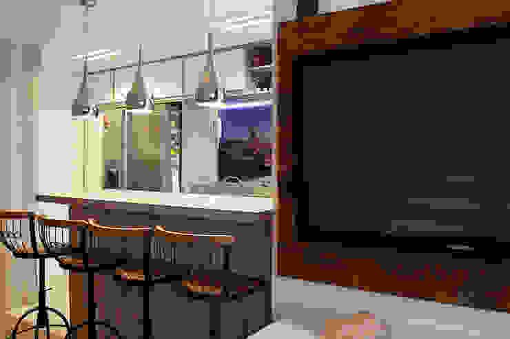 Contraste Elegante Salas de estar modernas por Taísa Festugato Arquitetura Moderno