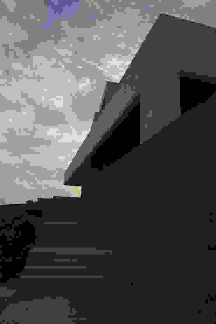 Vivienda Unifamiliar en Atlanterra Casas de estilo moderno de estudio torre elorduy slp Moderno