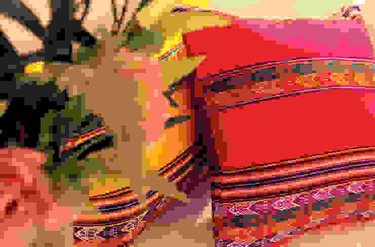 Almohadones Aguayo Peruano de Neyque Rústico Textil Ámbar/Dorado