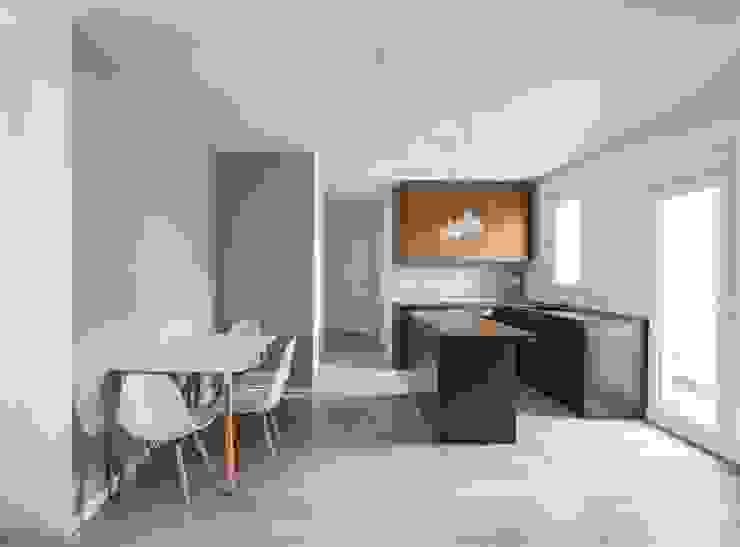 Cocina y Comedor Comedores de estilo minimalista de LLIBERÓS SALVADOR Arquitectos Minimalista