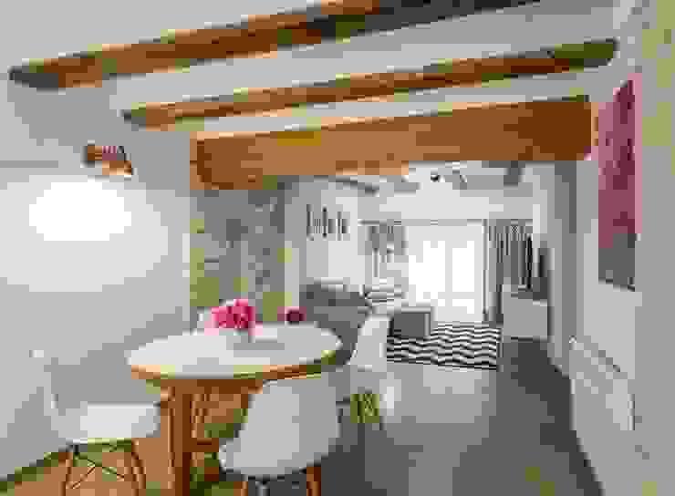 Sala de estar y Comedor Comedores de estilo rústico de LLIBERÓS SALVADOR Arquitectos Rústico