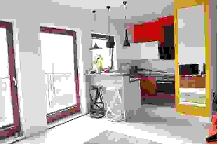 Cocinas de estilo moderno de Tetate Projektowanie Wnętrz Moderno