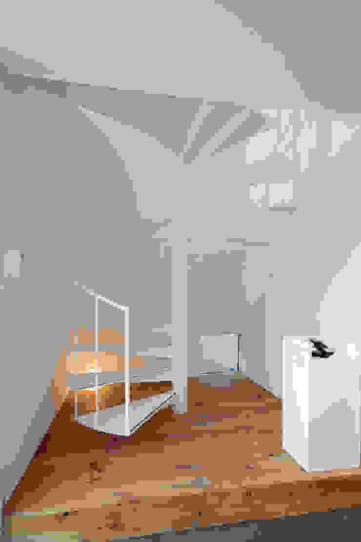 ホール オリジナルスタイルの 玄関&廊下&階段 の ニュートラル建築設計事務所 オリジナル