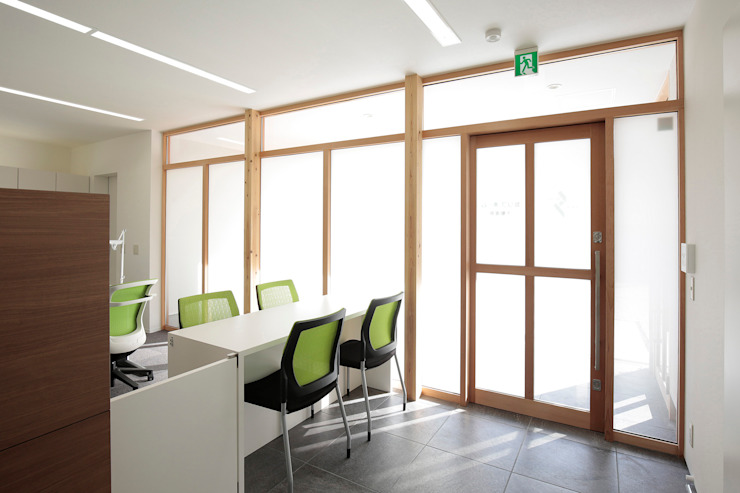 1階 事務所 オリジナルな 壁&床 の ニュートラル建築設計事務所 オリジナル