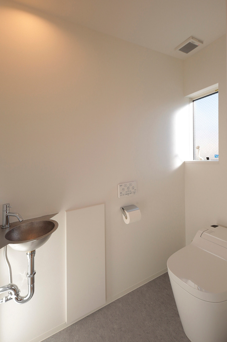 2階 トイレ オリジナルスタイルの お風呂 の ニュートラル建築設計事務所 オリジナル